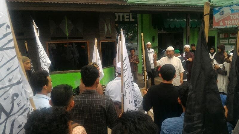 Audiensi dengan DPRD Sumbar, FMM Minta Megawati Ditangkap
