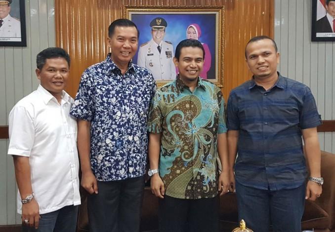 Usai 4 Jam Pertemuan Tertutup Firdaus-Hendry Munief Sudah 'Deal'