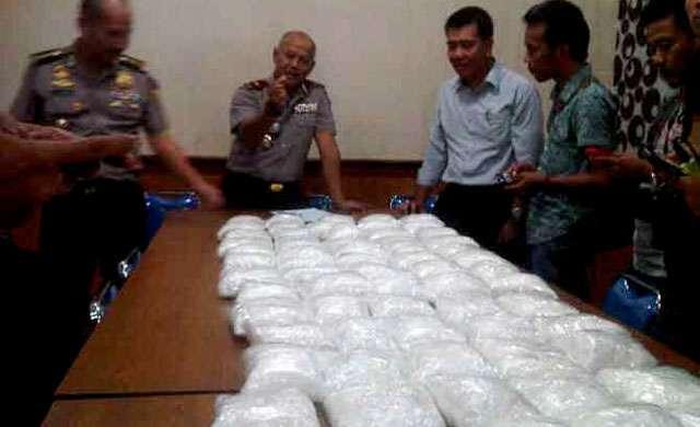 BNN Amankan Lima Tersangka Kepemilikan 5 Kilogram Sabu