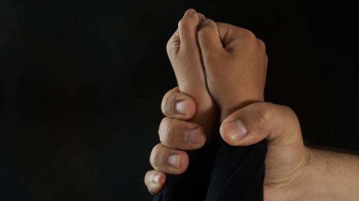 Cabuli Anak Tiri Hingga Hamil, Seorang Penjual Hp Ditangkap