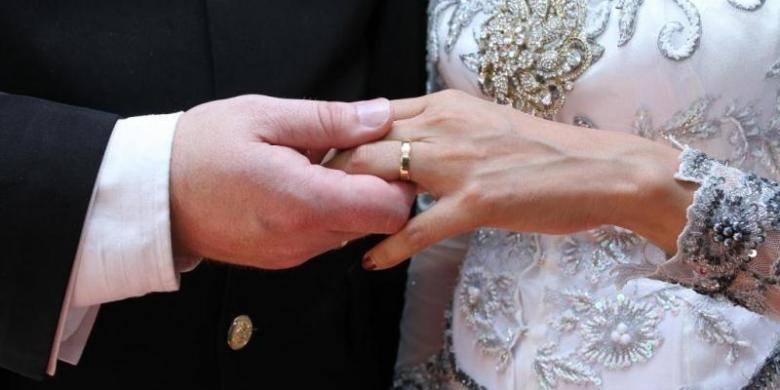 Menikah Itu Bukan Hanya Mengejar Status