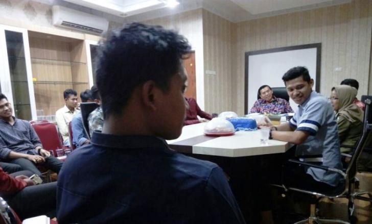 Puluhan Mahasiswa Berbagai Universitas di Riau Dukung Doktor Firdaus Gubernur, Pasannya jangan Putus